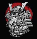 Ejemplo japonés altamente detallado dibujado mano del vector del samurai del tigre en la tierra negra stock de ilustración