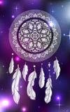 Ejemplo místico de un dreamcatcher con un modelo del tracery del boho, plumas con las gotas en un fondo cósmico libre illustration
