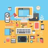Ejemplo plano del diseño moderno de la persona creativa del espacio de trabajo de la oficina Foto de archivo