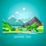 Ejemplo plano del paisaje de la naturaleza con el sol, las montañas y las nubes El acampar en las montañas Fotografía de archivo libre de regalías