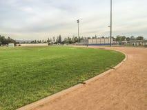 Ejercicio de la High School secundaria de Edgewood y campo de deporte Imagen de archivo