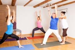 Ejercicio de la yoga fotografía de archivo