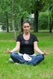 Ejercicio recreacional de la yoga foto de archivo libre de regalías