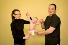 Ejercicios de la aptitud con el bebé Fotos de archivo libres de regalías