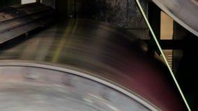 Ejes de rotación en la producción de papel metrajes