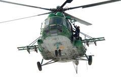 Ejército ucraniano milipulgada Mi-8 del helicóptero Imagenes de archivo