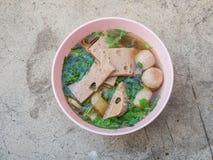Ekaehla één kom gezet varkensvlees van vleesballetjes Royalty-vrije Stock Foto
