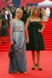 Ekaterina Gordon (l) en Ekaterina Arkharova (r) bij de Filmfestival van Moskou Royalty-vrije Stock Foto