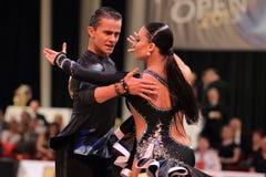 Ekaterina Sharanova und Leonid Tishkin - lateinisches Tanzen Stockbild