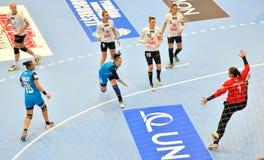 Ekaterina Vetkova, CSM布加勒斯特攻击的球员在比赛期间的与MKS Selgros鲁布林 免版税库存图片