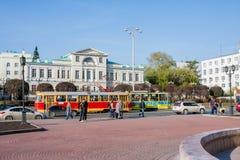 Ekaterinburg, Rusia - septiembre 24,2016: Transporte público - un t Imagen de archivo