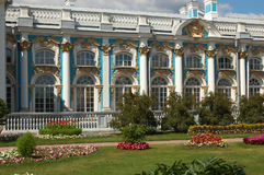 ekaterininskiy庭院宫殿落后 免版税库存图片