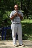 Ekolog Suren Gazaryan som talar på ett möte av aktivister i den Khimki skogen Fotografering för Bildbyråer