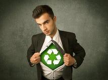 Ekologa biznesowy mężczyzna drzeje z koszula z przetwarza znaka zdjęcia royalty free