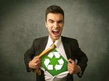 Ekologa biznesowy mężczyzna drzeje z koszula z przetwarza znaka zdjęcie royalty free