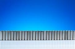Ekologia przetwarza pojęcie, natury energia, alkaliczne baterie w ro zdjęcie stock