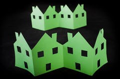 Ekologia zieleni domy zdjęcie royalty free