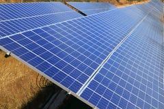 ekologii elektrycznej energii zieleń matrycuje słonecznego Obrazy Royalty Free