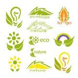 Ekologisk logo- eller symbolsupps?ttning med gr?na sidor, den ljusa kulan, regnb?gen, blommor och stiliserade sidor royaltyfri illustrationer