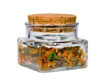 ekologisk växt- tea för calendula arkivfoton