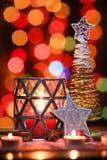 ekologiskt trä för julgarneringar Julgran- och julstjärna Royaltyfria Foton