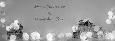 ekologiskt trä för julgarneringar Runda elektriska julljus Royaltyfria Bilder