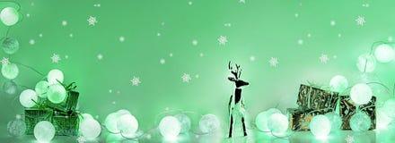 ekologiskt trä för julgarneringar Runda elektriska julljus Royaltyfria Foton