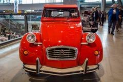Ekonomibil Citroen 2CV Fotografering för Bildbyråer