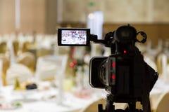 Ekranizacja wydarzenie Videography Słuzyć stoły w bankiet sala obraz royalty free