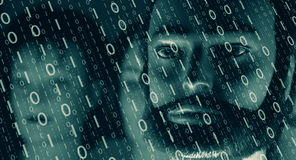 Ekranu komputerowego binarny kod, cyber atak Obrazy Royalty Free