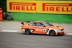 Ekris BMW M4 GT4 samochodowy ścigać się przy Monza Obrazy Stock