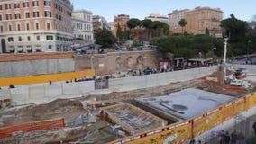 Ekskawacja w Rzym blisko colosseum zbiory wideo