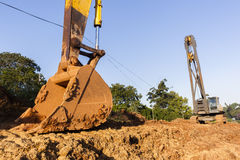 Ekskawatoru kosza budowy Dźwigowe maszyny Zdjęcia Stock