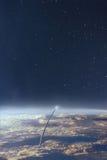 Eksploraci przestrzeni kosmicznej nocnego nieba i ziemi tło Zdjęcie Royalty Free