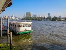 Ekspresowa łódź na rzece w Bangkok obraz royalty free