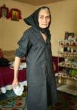 Ekspresyjna wiejska stara kobieta salowa fotografia stock