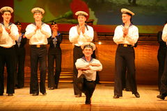 Ekspresyjny skoczny taniec czerwień rewolucyjni żeglarzi Zdjęcie Royalty Free