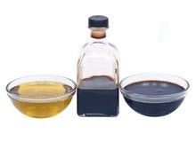 Ekstra dziewiczy olej i balsamic ocet w pucharze Obraz Stock