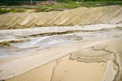 Ekstrakcja piasek, piasek jama z wodą Zdjęcia Royalty Free