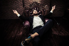 Ekstrawagancki modny mężczyzna Zdjęcia Royalty Free