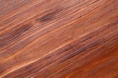 Ekstremum zamknięty w górę sosnowej drewnianej powierzchni, skończony z ciemnym drewnianym plamy, śniedzi i matte lakierem, obrazy stock