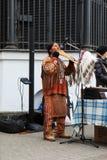 Ekuadorianischer Musiker auf den Straßen von St Petersburg stockfoto