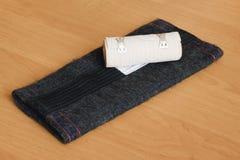 Elástico del vendaje y casquillo de la rodilla. Foto de archivo