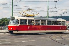 Elétrico velho em Praga fotografia de stock royalty free