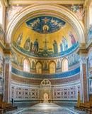 El ábside de la basílica del santo John Lateran en Roma foto de archivo