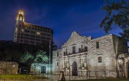 El Álamo, San Antonio en la noche Foto de archivo