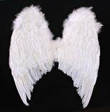El ángel adulto se va volando el apoyo de la fotografía Foto de archivo