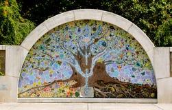 El árbol de la vida en el parque de los supervivientes del cáncer Imágenes de archivo libres de regalías