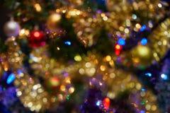 El árbol de navidad adorna el fondo fotos de archivo