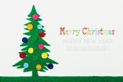 El árbol de navidad con las bolas hizo el ‹del †del ‹del †del fieltro Fotos de archivo libres de regalías